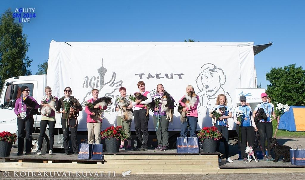 SM-joukkuekilpailussa pronssia AST:n minijoukkueelle. Kuva: Jukka Pätynen